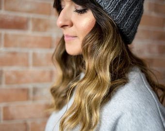 Hand Knit Hat, Alpaca, Wool, Chunky Knit Hat, Pom Pom, Knitting, Handknit, Winter hat, Winter Cap, CAP N5