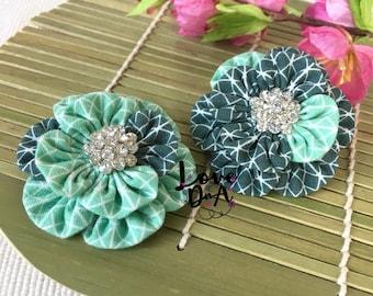 Tem - MINT - grau - Blumen - Brosche - Pin - Handmade - Hand-genäht - Diamante Zentrum - leicht und einfach um zu tragen - Unikat