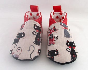 Booties 15 to 18 months red leatherette and cat fabric