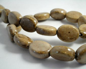 """15 beads """"olives """" out of ceramics 20 mm : brown/beige"""