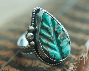 Carved Turquoise Leaf Ring, Southwestern Ring, Size 8, Boho Jewelry, Nature Jewelry, Sterling Silver Necklace