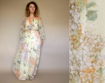 70's vintage women's Vera Mont yellow flower patterned bohemian chiffon maxi dress