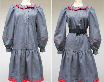 Vintage 1970s Dress / 70s Black White Striped Cotton Schoolgirl Dropwaist Dress / Medium