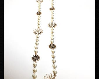 Daisy Flowers necklace, Gold Black and white Daisy Flowers necklace, Long Necklace with white pearls, White pearls with Daisy Flowers