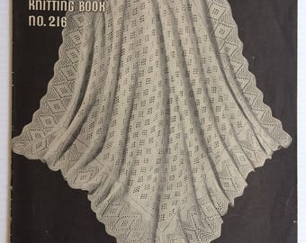 Baby Shawls and Cot covers - Patons vintage knitting pattern book 216