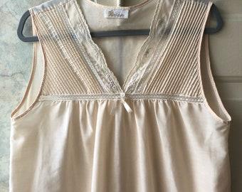 Vintage palest pink Barbizon short night gown XL, summer short night gown, summer sleepwear, plus size pale pink comfy night gown Barbizon