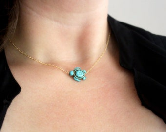 Turquoise Sea Turtle Necklace, Gold Turtle Necklace, Small Turquoise Necklace, Dainty Animal Charm Necklace, Gold Turquoise Necklace