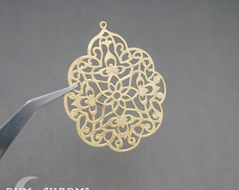 0179 - Pendant Connector, Matte Gold Plated, Small Gothic Bubble Filigree Pendant, 2 Pieces