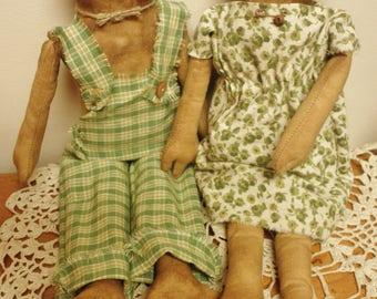 Frog Doll Couple, Primitive Animals, Country Farmhouse Decor, Primitive Dolls, Handmade Dolls, Primitive Frogs,