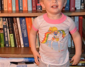 Vintage 1980s Rainbow Brite and Starlite Horse Youth Shirt!!! Kid's Pink Ringer Cartoon Tee!!!