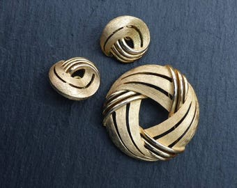 CROWN TRIFARI - 1960s Demi-parure - Circular Brooch & Matching Clip-on Earrings