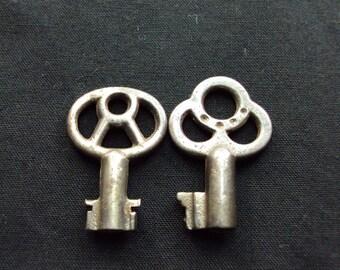 Vintage Key Pairs