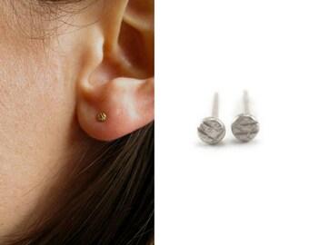 Pebble Earrings | tiny stud earring | platinum earring | Platinum stud earring | minimalist earrings | tragus earring | tragus stud | eco