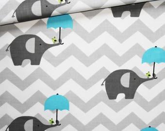 Tissu éléphant, 100% coton imprimé 50 x 160 cm, motif éléphants gris avec parapluie turquoise sur un chevron