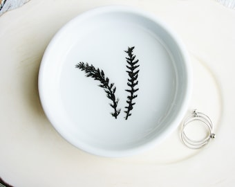 Black and White Ring Dish, Ceramic Dish, Real Fern Ring Dish, Botanical Engagement Gift, Jewelry Tray, Desk Organizer