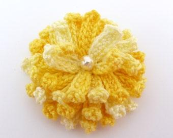 Applique flower, Crochet applique, 1 yellow crochet chrysanthemum. Cardmaking, scrapbooking, handmade,sew on patches. embellishments