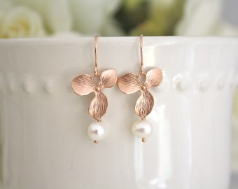 Rose Gold Earrings, Wedding Earrings, Bridesmaid Earrings, Modern Pearl Earrings, Pearl Earrings Best Friend Gift Bridesmaid Gift