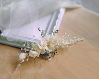 Bridal hair comb-Flower hair comb -Wedding Hair jewelry-Pearl Wedding Hair piece- Bridal headpiece-Wedding accessories-Ivory pearl headpiece