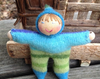 Blues and Greens Striped Walking Finger Puppet