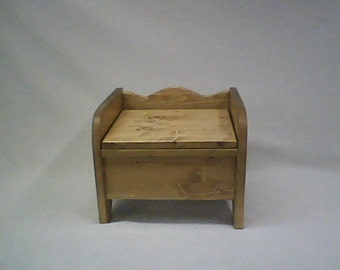 Little Denver wooden potty chair with hinged lid