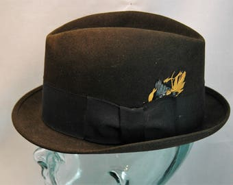 Vintage Royal Stetson Fedora Black with Black Hatband featuring Multicolor Feather Size 7 1/8         01393