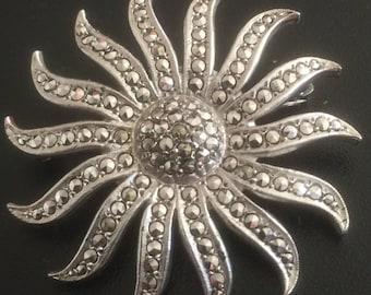 Beautiful Vintage Sterling Silver Marcasite Sunburst Pin Brooch