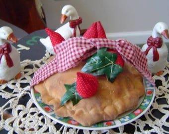 Epattern pie, prim epattern, strawberry pie pattern, dessert, folk art sewing pattern, red, handmade