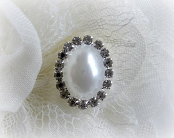 White Oval Pearl Rhinestone Buttons. Oval Pearl Buttons. Oval Pearl and Rhinestone Buttons. You Choose Quantity.