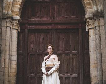 Robe romantique medievale fantasy corset soir dentelle