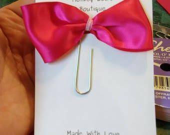 Hottie In Pink Bow Clip