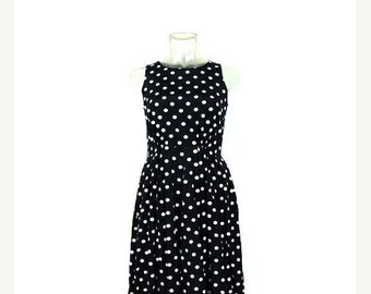 ON SALE Vintage Black x White Polka Dots Sleeveless Casual Sun Dress from 1980's/Marine look*
