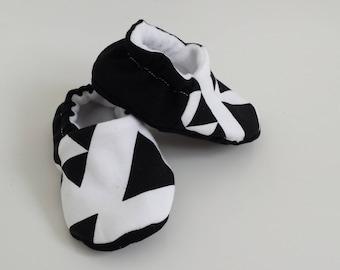 Baby pram shoes,  boys white mono crib shoes, babies shoes, baby slippers, monochrome shoes, baby shoes, baby booties, mono shoes