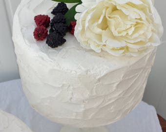 Rustic buttercream effect fake cake