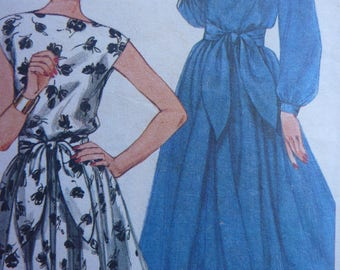 Dress Pattern for Women. Original Simplicity Sewing Pattern 5325. Size 14. Dated 1981. Three styles. Bateau Neck. Long Short Sleeves. Cut.