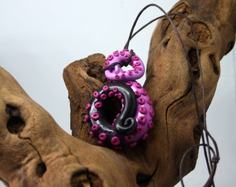 Octopus tentacle curl cord necklace pendant