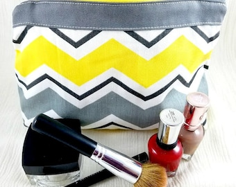 Toiletry bag - Makeup bag - Zipper bag - Canvas bag - Chevron cosmetic bag - Lined makeup bag - Makeup - Gifts for her - Best friend gift