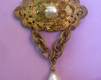 MIRIAM HASKELL Exquisite Baroque Glass Pearl Dangle Brooch