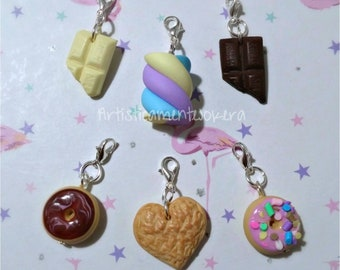 """Set of 6 """"sweetie"""" stitch markers, handmade in polymerclay, for crochet or knitting."""