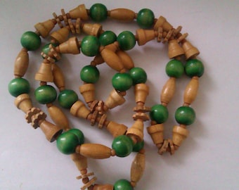 deco style wood bead necklace