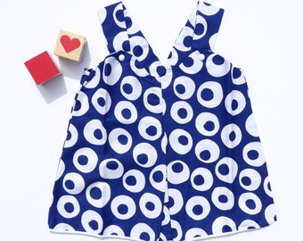 new Old Stock - Vintage 1960/70's Cuckoo Girl's Shift Dress - White/Navy - Ages 1/2 & 2/3