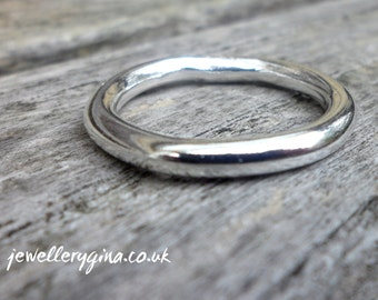 Chunky round silver band. Solid sterling silver ring.