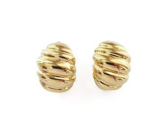Napier Gold Ribbed Hoop Earrings - Clip Earrings, Half Hoop, Gold Tone Metal, Eighties Jewelry, Vintage Earrings, Vintage Jewelry