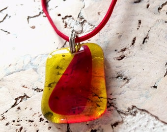 Necklace 'Red on yellow' glass fusing