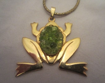 Vintage Green and Gold Frog pendant necklace and chain 1970s
