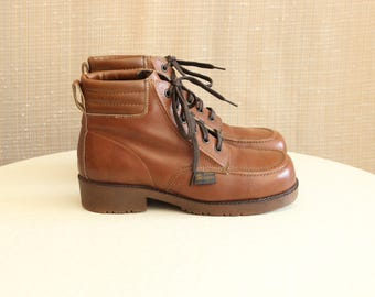 Scampers '70s Ankle Laceup Boot Womens Size 7.5 US Chukka Style Steel-Toe Oil Acid Resistant Soles