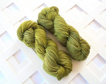 IRISH MOSS, Buttery Soft DK, Soft Moss Green Tonal Yarn, Tonal Yarn, Green Alpaca Yarn, Green Silk Yarn, Green Merino Yarn, Handdyed Yarn