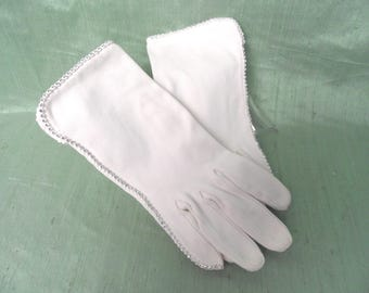 White cotton wrist length gloves with rhinestones  /  vintage Crescendoe short women's gloves  6  1/2
