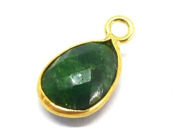 Gold and Emerald 925 sterling silver charm pendant PAR10x7x5
