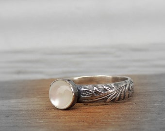 Mother of Pearl Sterling Silver Ring Floral Band - June Birthstone Ring