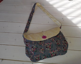 Flowers girl shoulder bag.